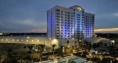 Ruang Poker Florida Pertama Yang Dibuka Kembali Kamis Dengan Penggunaan Pembagi Plexiglass