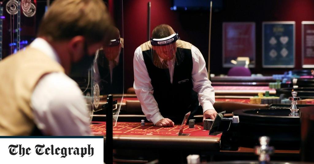 Akhir dari poker face? Kasino dengan keamanan Covid untuk membuka kembali kartu pembagian secara terbuka