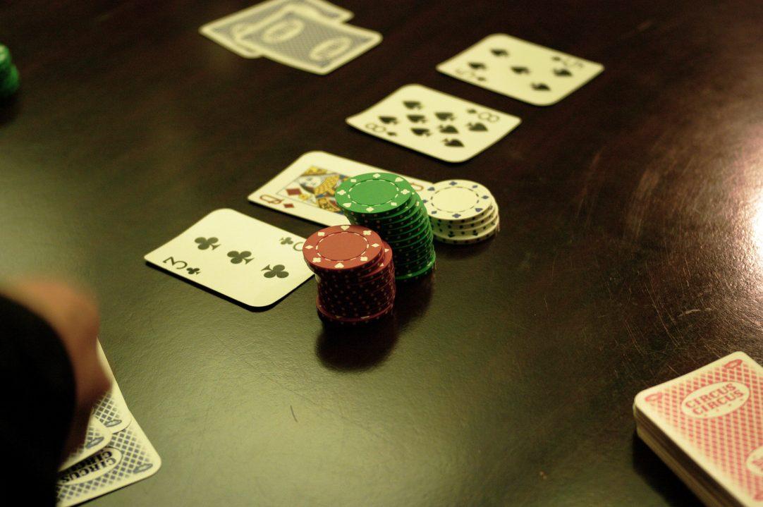 Rahasia menang dalam permainan Poker layaknya seorang Pro!