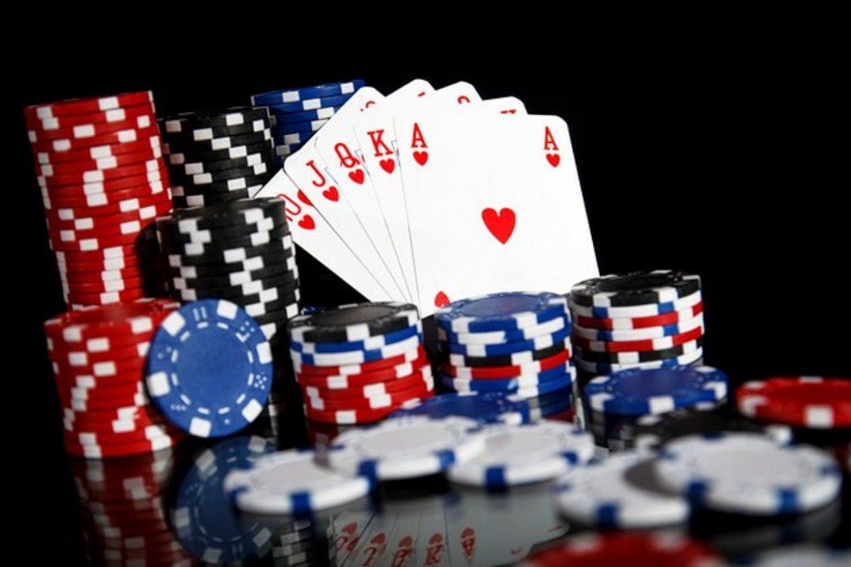 AC Poker Player Ternyata Tidak Tahu Tentang Chirping Smoke Detector