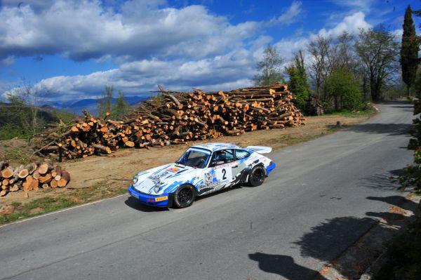 Da Zanche- De Luis jatuh poker di Sanremo dengan Porsche 911 SC RS mereka