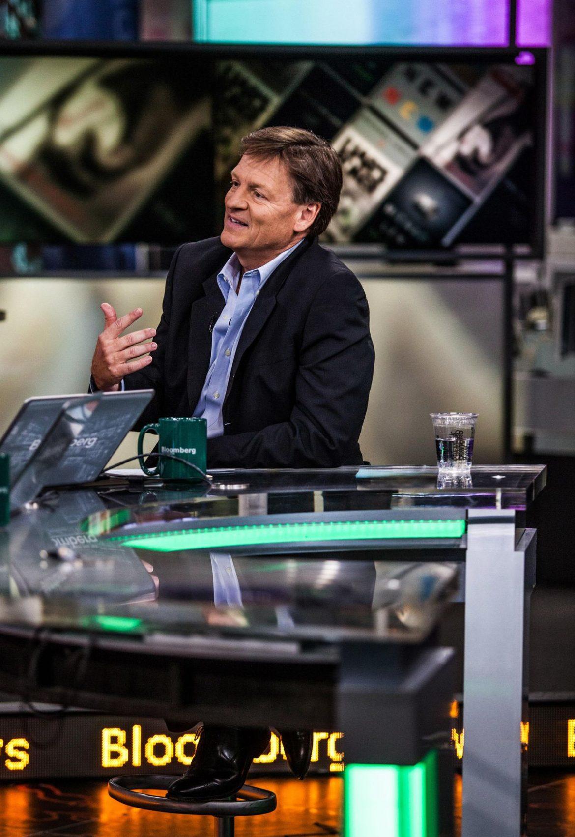 Michael Lewis Harus Menulis Set 'Liar's Poker 2' Di Cina