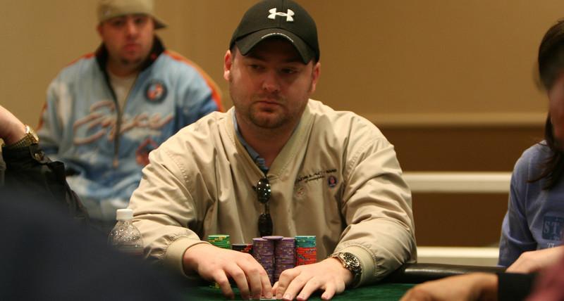 Pengacara Yang Mewakili Dugaan Curang Poker Mike Postle Bergerak Untuk Menurunkan Dia Sebagai Klien