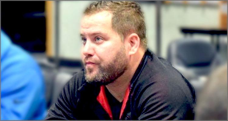 Dan Bekavac muncul untuk berkompetisi di Mid-States Poker Tour