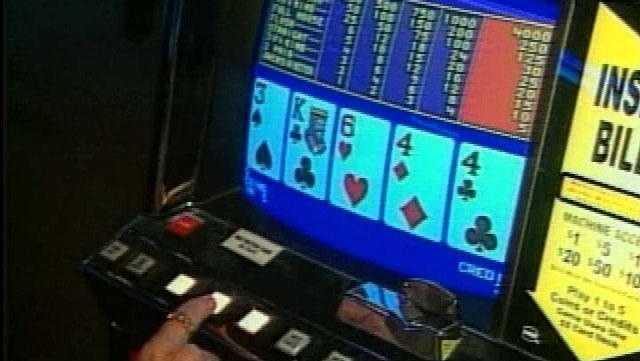 Kebakaran di rumah Anderson County menyebabkan para deputi menemukan mesin poker ilegal, kata para pejabat